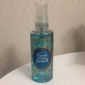 Frosted coconut snowball fragrance mist